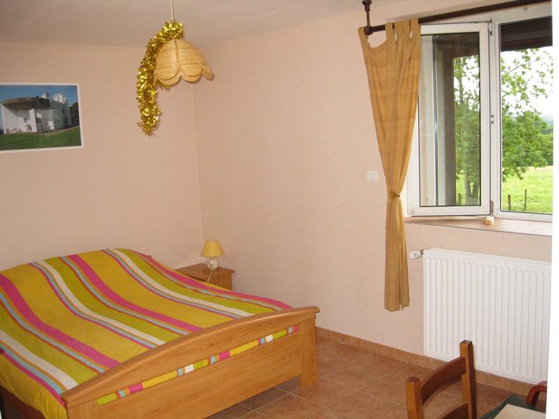 merveilleuses vacances en chambres d 39 hotes 70200. Black Bedroom Furniture Sets. Home Design Ideas