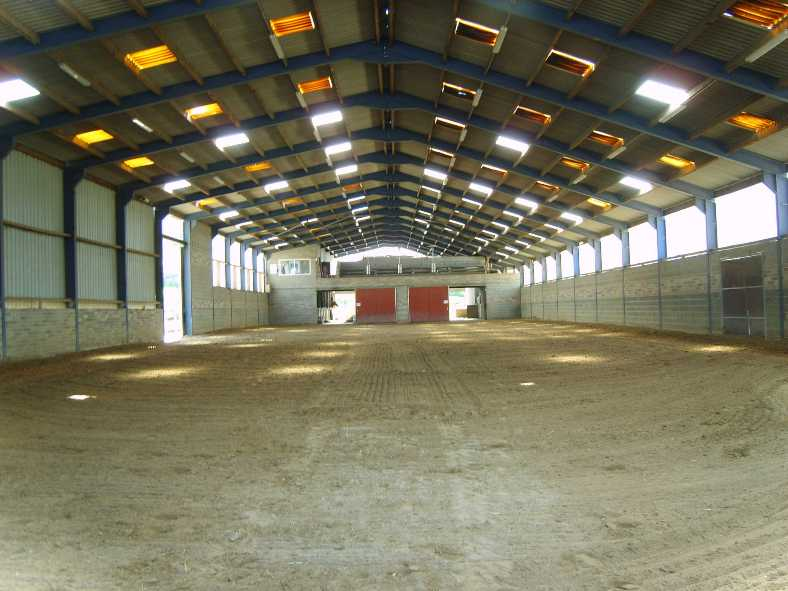 Le poney club du geer for Manege interieur