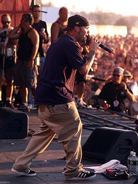 Fred Durst (William Frédérick Durst) Chanteur 04cbb7d7628